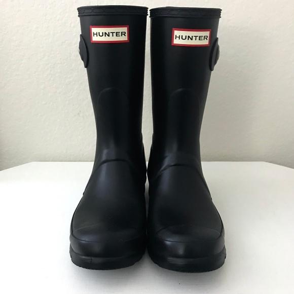 438f21863b67 Hunter Shoes - HUNTER Original Short Rain Boot Sz 6 Black Matte
